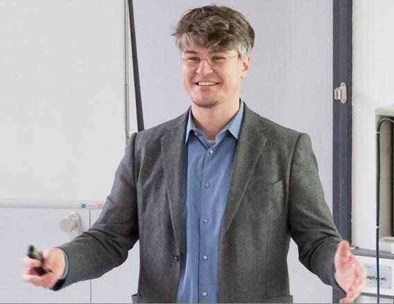 Lars Rademacher während seiner Arbeit als Dozent an der Hochschule Darmstadt